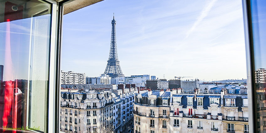 Eiffel Tower View Apartment
